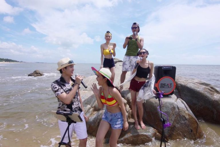 ​​​​​​​Portable Karaoke Speaker rental in Vietnam
