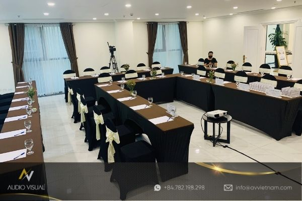 ​​​​​​​How to rent high-quality projectors for conferences in Vietnam?